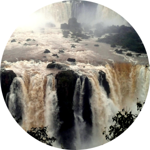 """Argentina has the waterfalls but Brazil has the balcony"". Choosing a gateway to see Iguazu Falls in Paraguay/Brazil/Argentina"