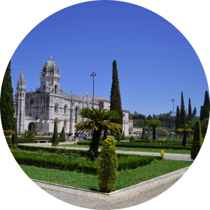 Guide on Lisbon with entrance fesses and directions